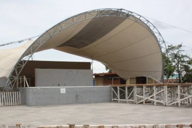 http://www.sambasul.com/teste/jupgrade/images/stories/002015-Uruguaiana/concha%20acustica.jpg